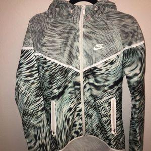 Nike Running Lightweight Rain/Hooded Jacket